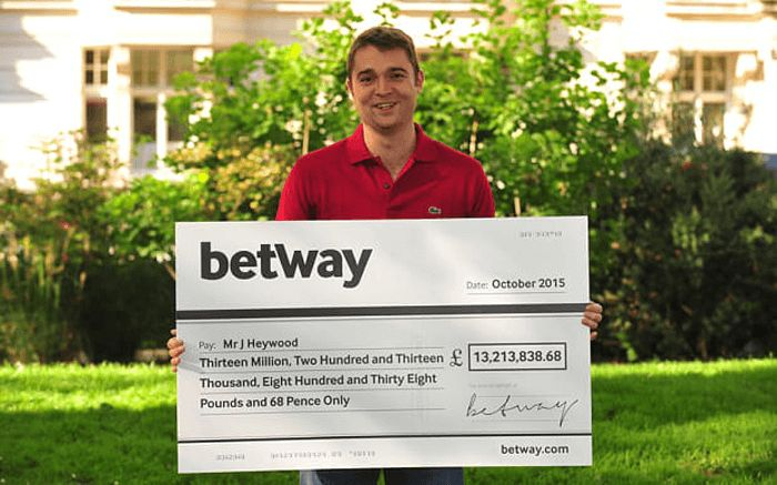 October 2015, the record jackpot of Mega Moolah, £ 13.2 million for British soldier Jonathan Heywood